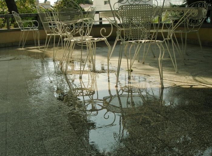 Spåren efter ett kort men härligt regn.